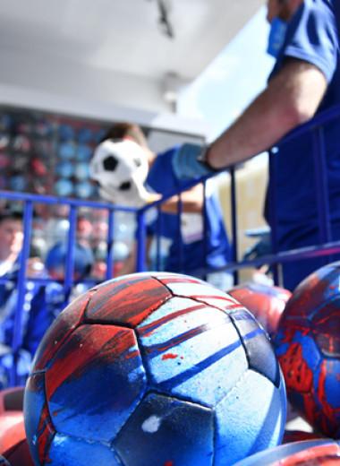 Искусство футбола: как художник Покрас Лампас объединил мяч и модный NFT-арт