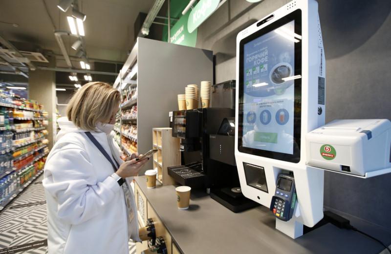 Как работают магазины без кассиров «Пятерочки» и «Азбуки вкуса» и сколько это стоит
