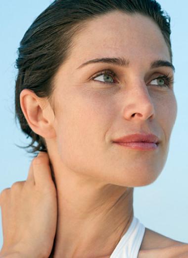 Как избавиться от первых признаков старения — морщин на шее