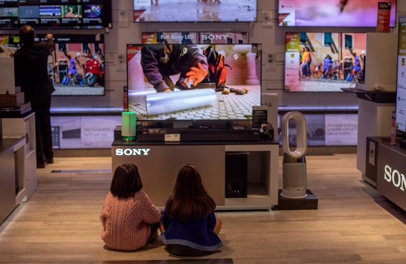 Болезнь и смерть телевизора. Как новые привычки зрителя ведут к переделу рынка