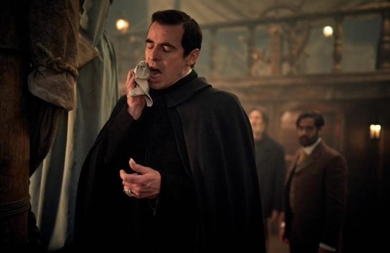 Вышел сериал «Дракула» — новая интерпретация истории про самого знаменитого вампира от создателей «Шерлока». Рассказываем, что у них получилось