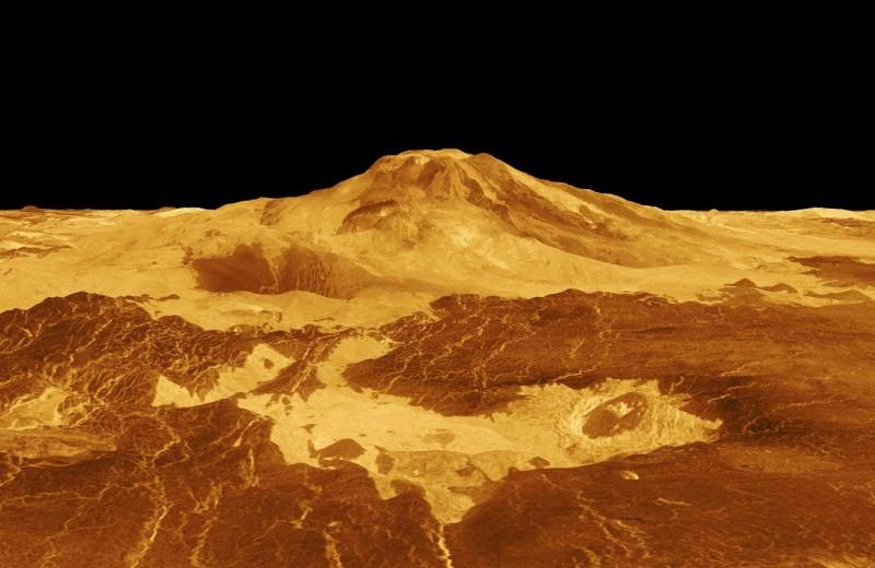 На Венере обнаружили десятки активных вулканических структур