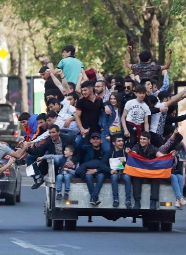 От парламентаризма к демократии: особенности армянской национальной революции