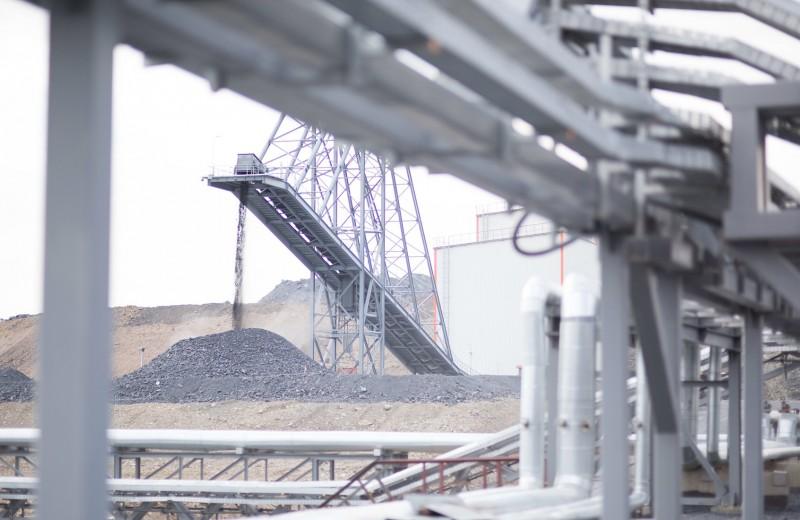 Уголь, золото и связь: в какие активы в Казахстане вкладывались россияне в эпоху Назарбаева