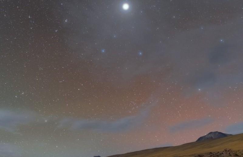 «Коронованный» Юпитер над пустыней Атакама: фото