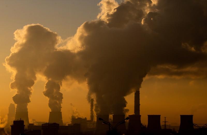 Новый оброк для бизнеса: чем угрожает экономике углеродный налог