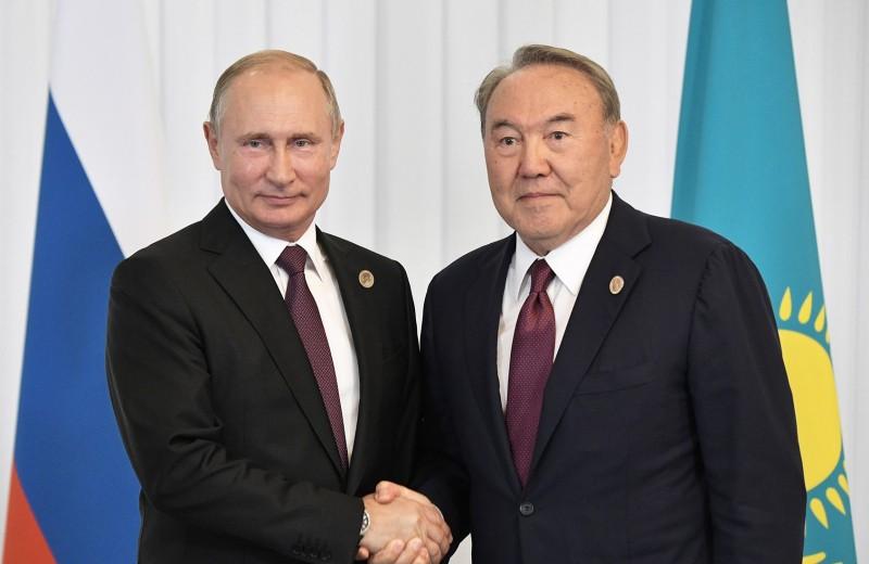 Нежелательный пример? Почему Москва удивилась отставке Назарбаева