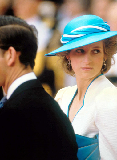 Разводы в британской королевской семье: письмо Елизаветы II Диане и cлёзы обеих