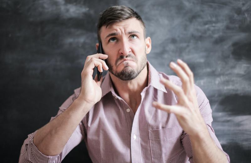 Как правильно реагировать накритику: 6способов ответить сдостоинством