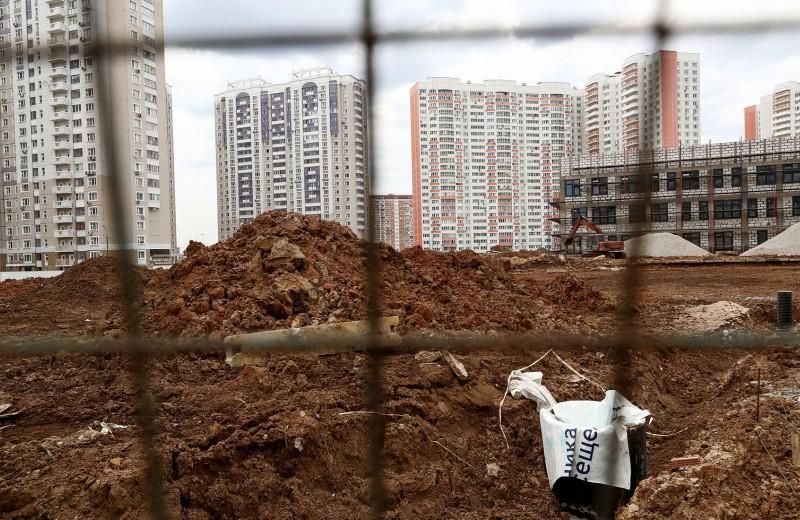 Назад в девяностые. Как власти толкают рынок жилья к серым схемам