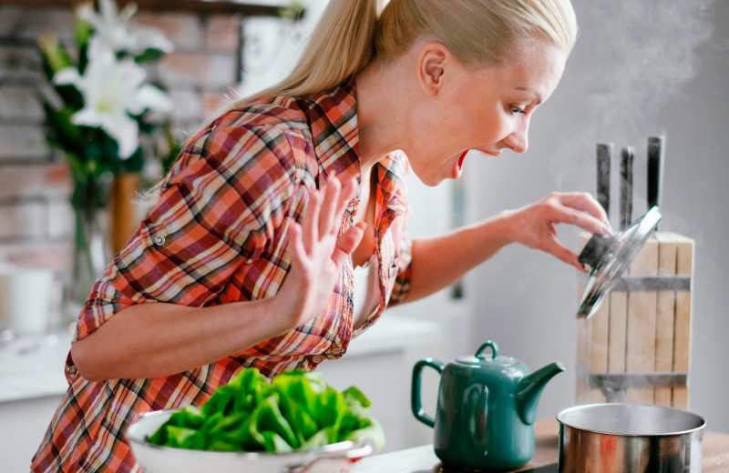 Как спасти пересоленный суп и другие полезные лайфхаки для ведения хозяйства