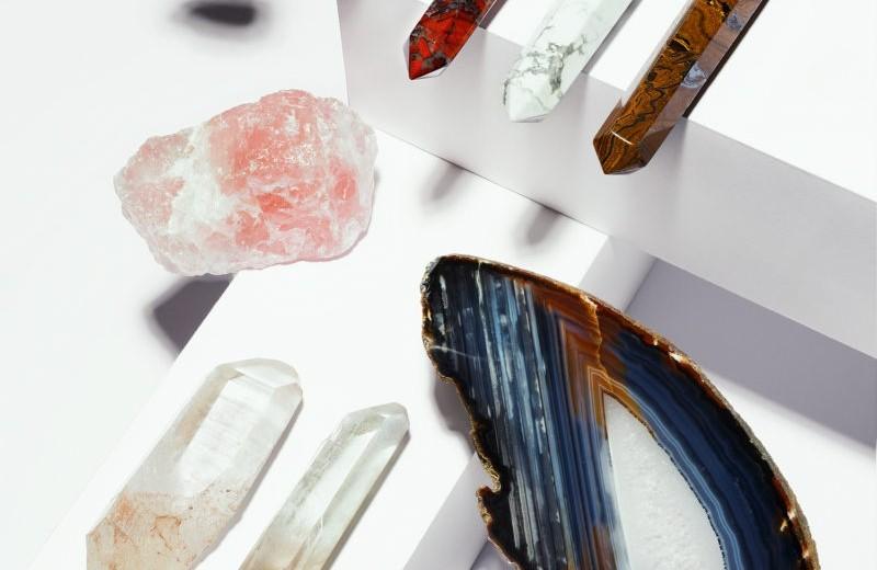 Почему все наперебой стали рассказывать олюбимых минералах ипостить их у себя винстаграме?