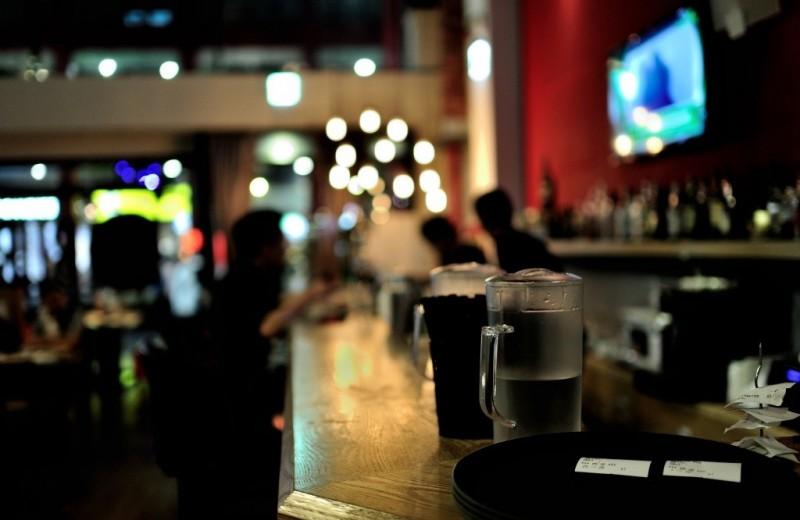 5 способов прикинуться знатоком у барной стойки (приятно побыть экспертом)