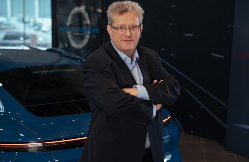 Заряд для бизнеса: чем запомнится электрический Porsche Taycan на «Иннопроме»