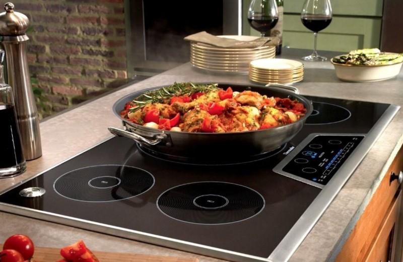 Индукционная плита: принцип работы, плюсы и минусы