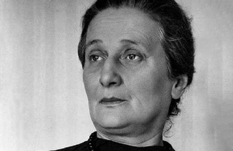 Нил Фергюсон:Тайная встреча Анны Ахматовой, разозлившая Сталина