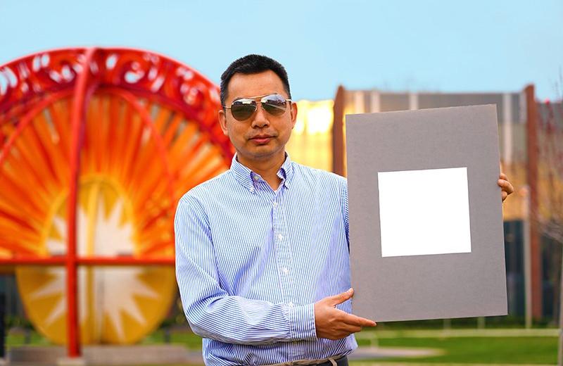Появилась новая рекордно белая краска. Она отражает 98,1% света