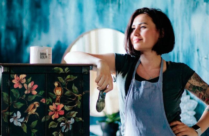Как молодая мать зарабатывает 100 млн в год на производстве красок для мебели