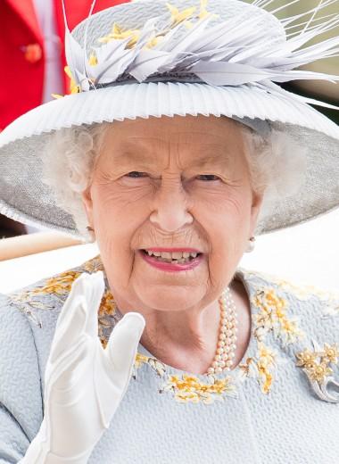 Стареть по-королевски: 10 бьюти-секретов Елизаветы II