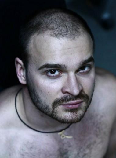 «Охотник на педофилов», неонацист и поклонник Гитлера: кем был Максим «Тесак» Марцинкевич
