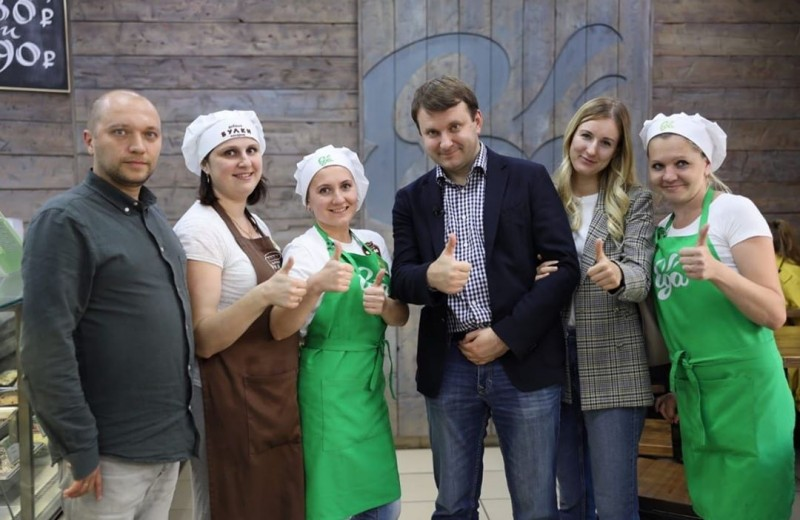Ударил автопробегом по бездорожью: как министр Орешкин путешествует на «Ладе» по России