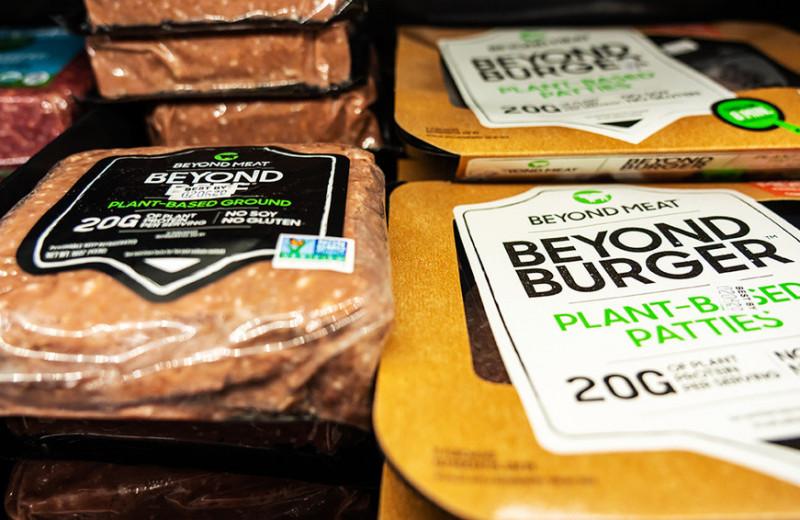 Говядина из травы: за год россияне съели искусственного мяса на 2,6 млрд рублей