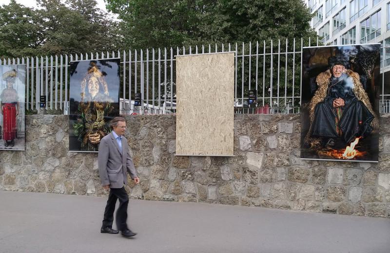 Кража без взлома: неизвестные похитили работу с выставки российского фотографа в Париже