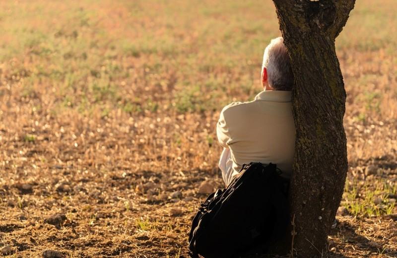 Чем вредит одиночество и как его избежать: 7 фактов