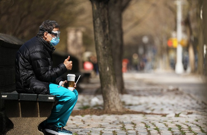 «Самое страшное, что пациенты в сознании, пока готовится коктейль забвения»: дневник русского доктора в Нью-Йорке