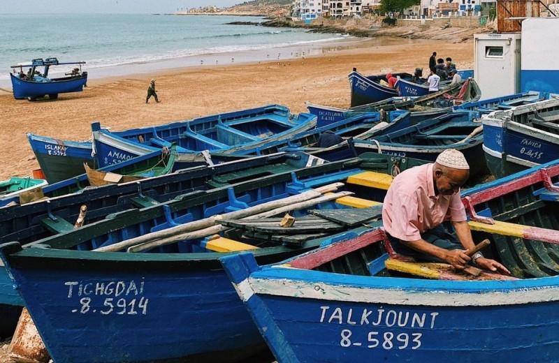 Каково это — проводить карантин в серферской деревне в Марокко