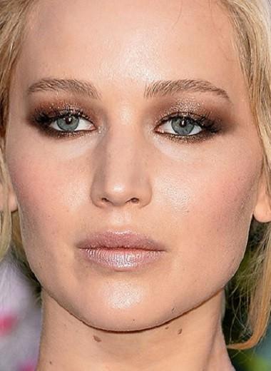 Перламутровые губы возвращаются? 10 не старомодных звездных макияжей