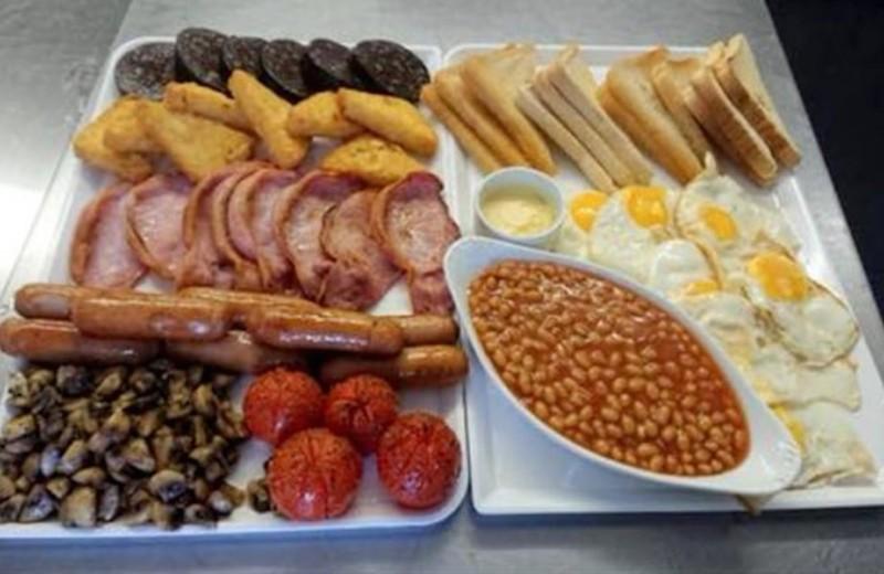 Вызов брошен: в британском кафе подают завтрак, который никто не может съесть