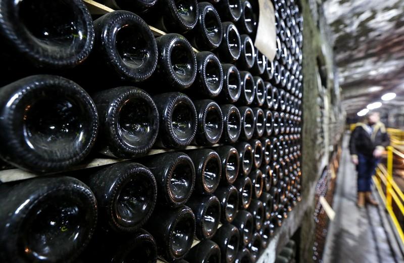К бутылкам ищут индивидуальный подход