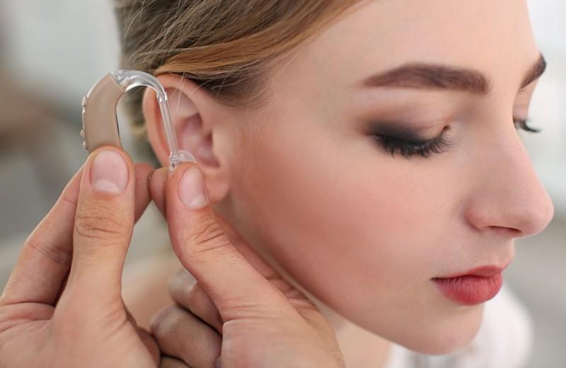 Как выбрать слуховой аппарат: виды, отличия, примеры