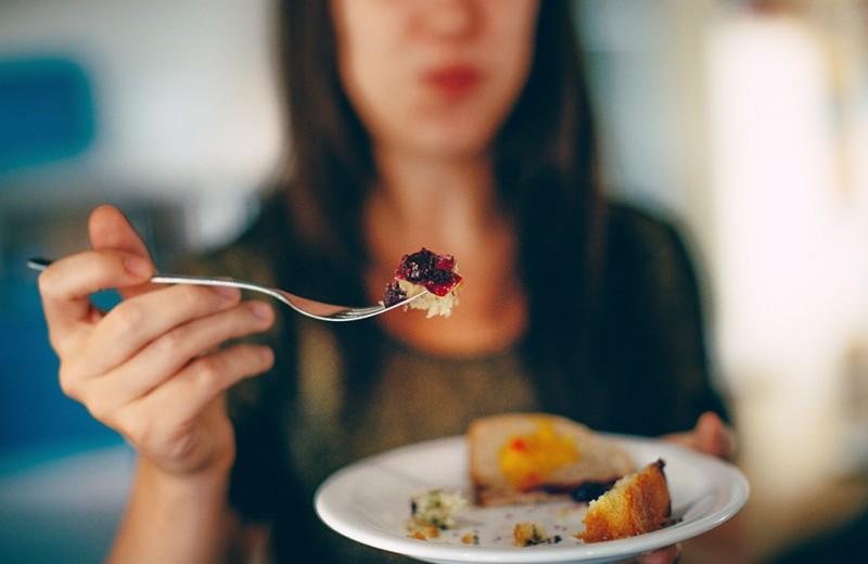 Симптомы пищевой зависимости: 7 распространенных признаков