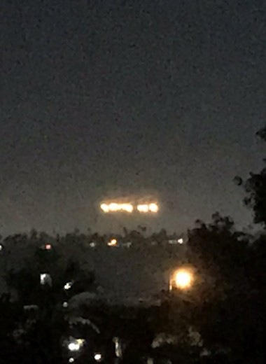 Загадочные огни в небе над Сан-Диего: что это было?