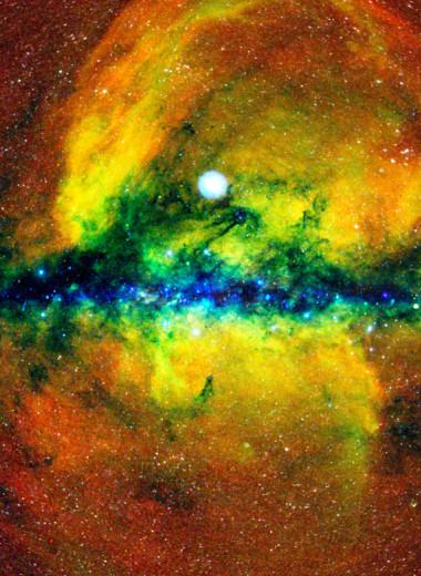 В центре нашей Галактики находится черная дыра в 4 млн раз массивнее Солнца