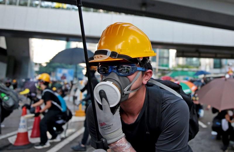 Жители Гонконга объявили всеобщую забастовку