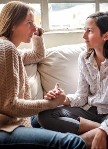 Подросток хамит: что делать родителям