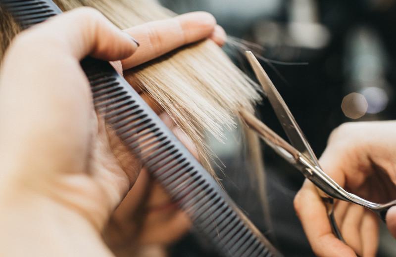 Стрижка не удалась? Как выйти из салона довольной волосами — 5 советов мастера