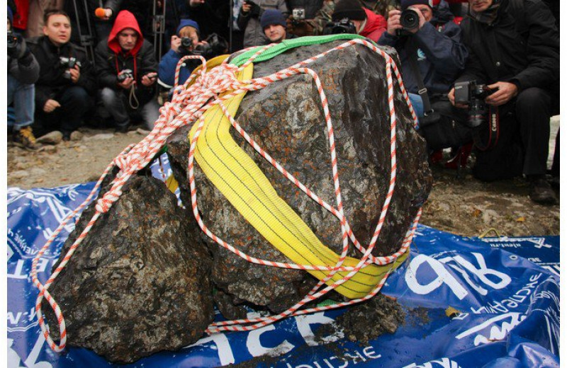 Метеориты, подобные Челябинскому, падают на Землю каждые 25 лет