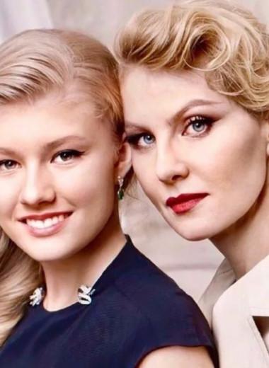 Девушки созрели! Пикантные фото дочерей Литвиновой, Климовой и других актрис