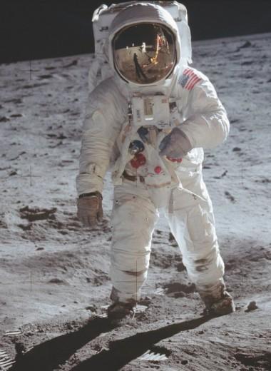 Исторические кадры высадки на Луну улучшили с помощью нейросети: видео