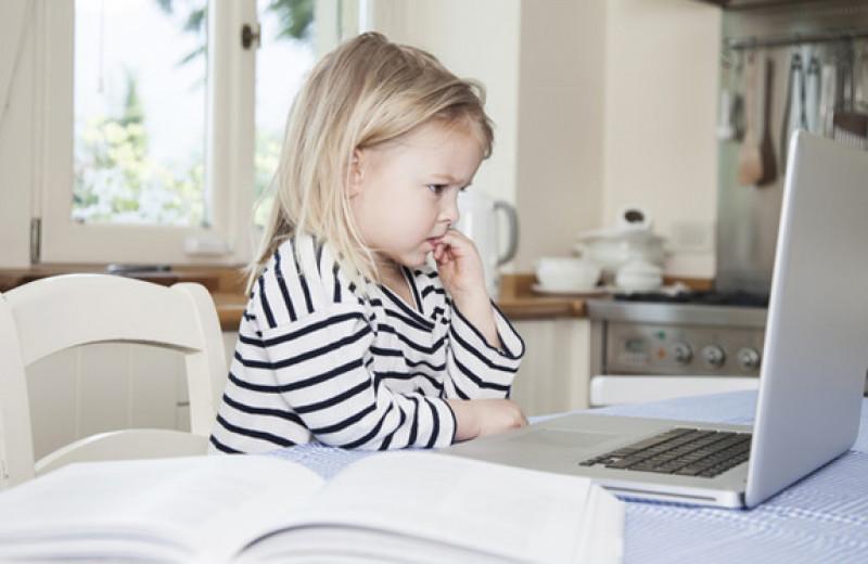 «Вынь палец изо рта!»: что надо знать о детских вредных привычках