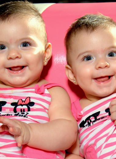 Сейчас в мире рождается рекордное количество близнецов. Почему?