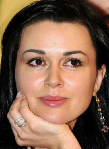 Директор Анастасии Заворотнюк признался, что ему запретили говорить об актрисе