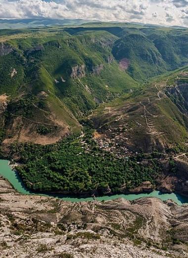 Архитектурные находки Дагестана: маленькие крепости, городские гостиные и мебель на все случаи жизни