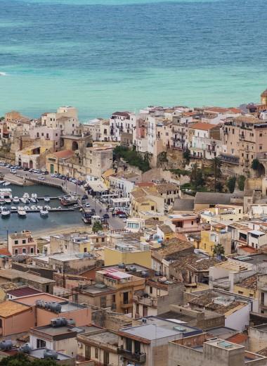 Кивать, воровать и молиться: легко ли выходцу из России начать свой бизнес на Сицилии