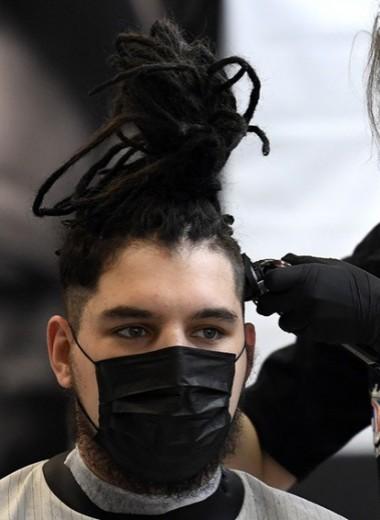 «Придется работать по 15 часов»: почему салоны красоты не хотят открываться на условиях властей