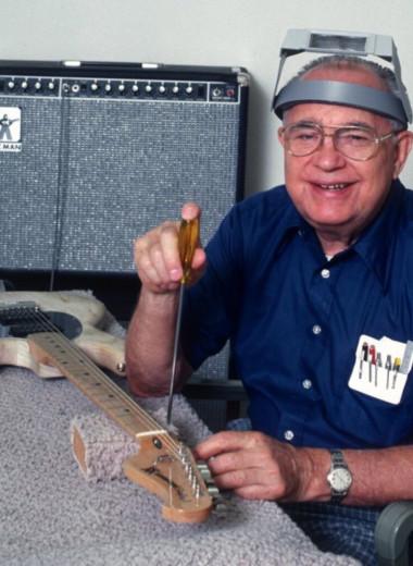Плохое руководство, продажа компании и хип-хоп: с чем столкнулся гитарный бренд Fender за 70 лет работы
